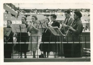 Playing at the Hyde Park Co-Op Grocery Store, 1950s. Hilde is the third from the right.